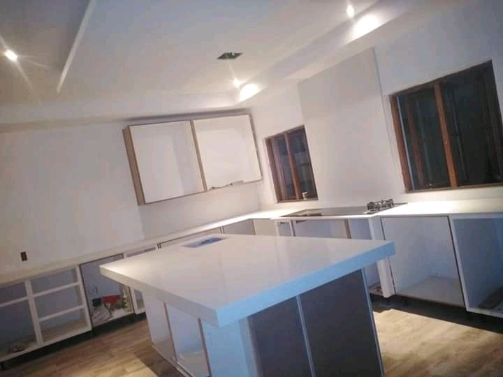 We do granite kitchen countertops installation and repairs call /watsapp us on 0677593676 <br>http://pic.twitter.com/v63lGVdI0A