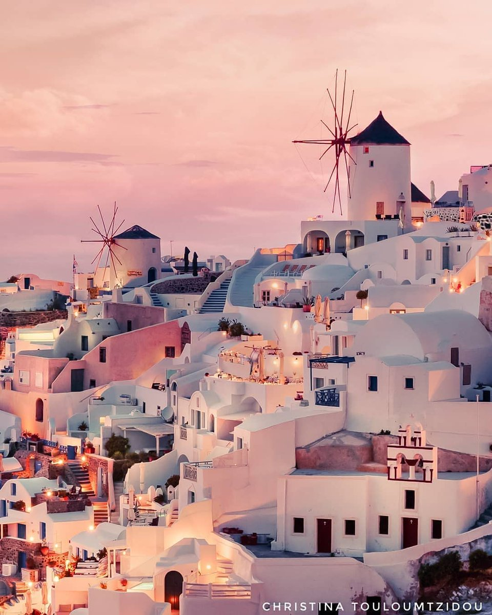 Санторини. Шарм и обаяние Европы.  PHOTOGRAPHER @christinatouloumtzidou LOCATION #Santorini  @travelboy_est #travelboy_est #travelingthroughtheworld #travelawesome #beautifuldestinations #wonderful_places #theglobewanderer  https://www.instagram.com/p/CCnEYYFJA15/pic.twitter.com/a8w8KyIvXw