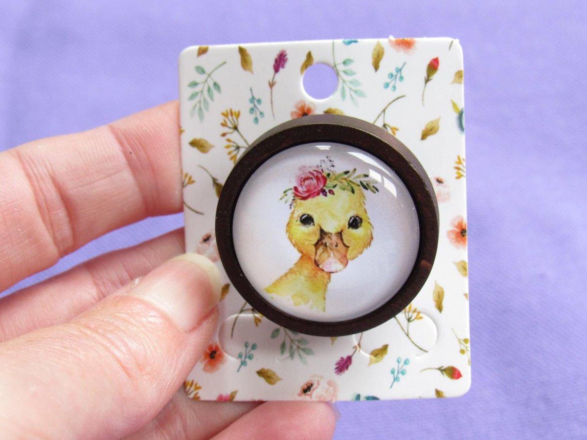 Cute animal brooches wearing sweet flower crowns - adorable #Earlybiz  http://www.GoodVibeGiftsUK.etsy.com #brooches #SmallBiz #etsygifts #animals #giftshop #goodvibes #etsymntt #wildlife #ShopSmallUK #Lancashire #Merseyside #Preston #shoplocalpic.twitter.com/nlLjPNmb9t