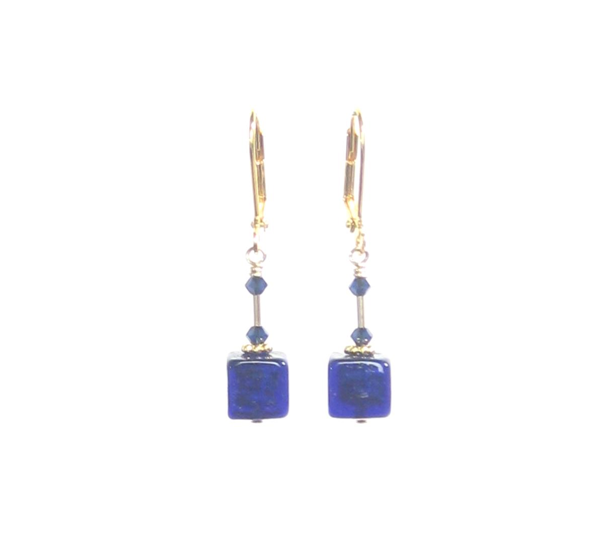 Murano Glass Cobalt Blue Cube Gold Earrings https://bit.ly/2pfaHE6 #earrings #murano #jewelry #handmade #fashion #etsymntt pic.twitter.com/2WRl7o2xG9