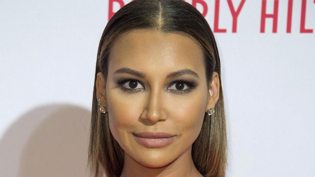 Le corps de l'actrice #NayaRivera retrouvé dans un lac californien https://www.lavoixdunord.fr/839253/article/2020-07-13/ig-disparition-de-naya-rivera-un-corps-localise-dans-le-lac-200713?utm_medium=Social&utm_source=Twitter#Echobox=1594706911 …pic.twitter.com/Ku56Fw2wNB