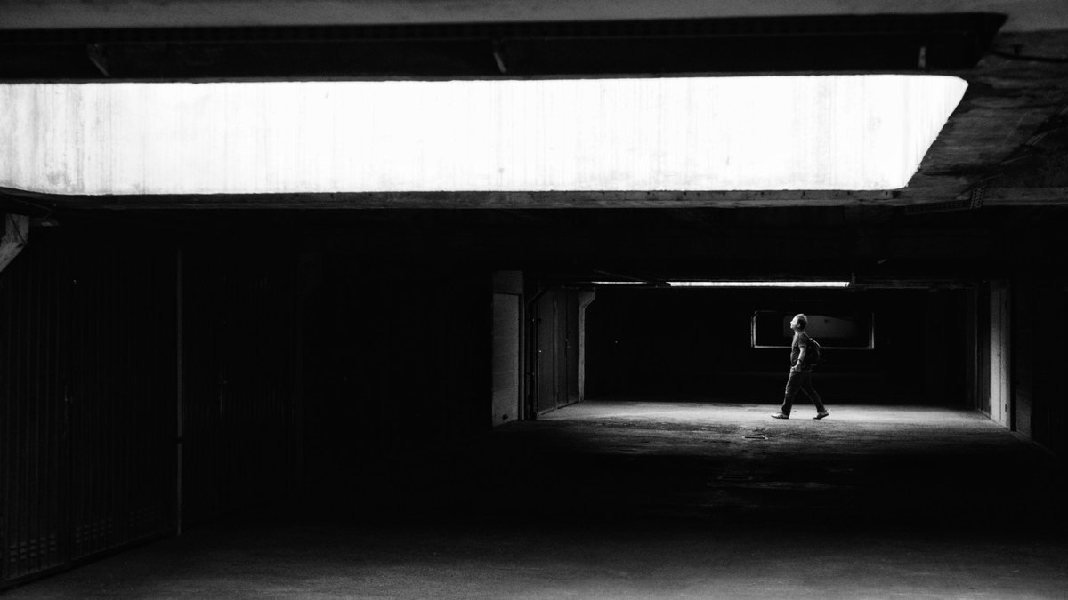 A friend in need. #blackandwhite #monochrome #bnw #bnwphotography #PHOTOS #Zagreb #Abstract #blackandwhitephoto #photography #photograph #photo #500pxrtg #streetphotography #streetphoto #streetphotographer #photoofthedaypic.twitter.com/3G9I4FfT9U