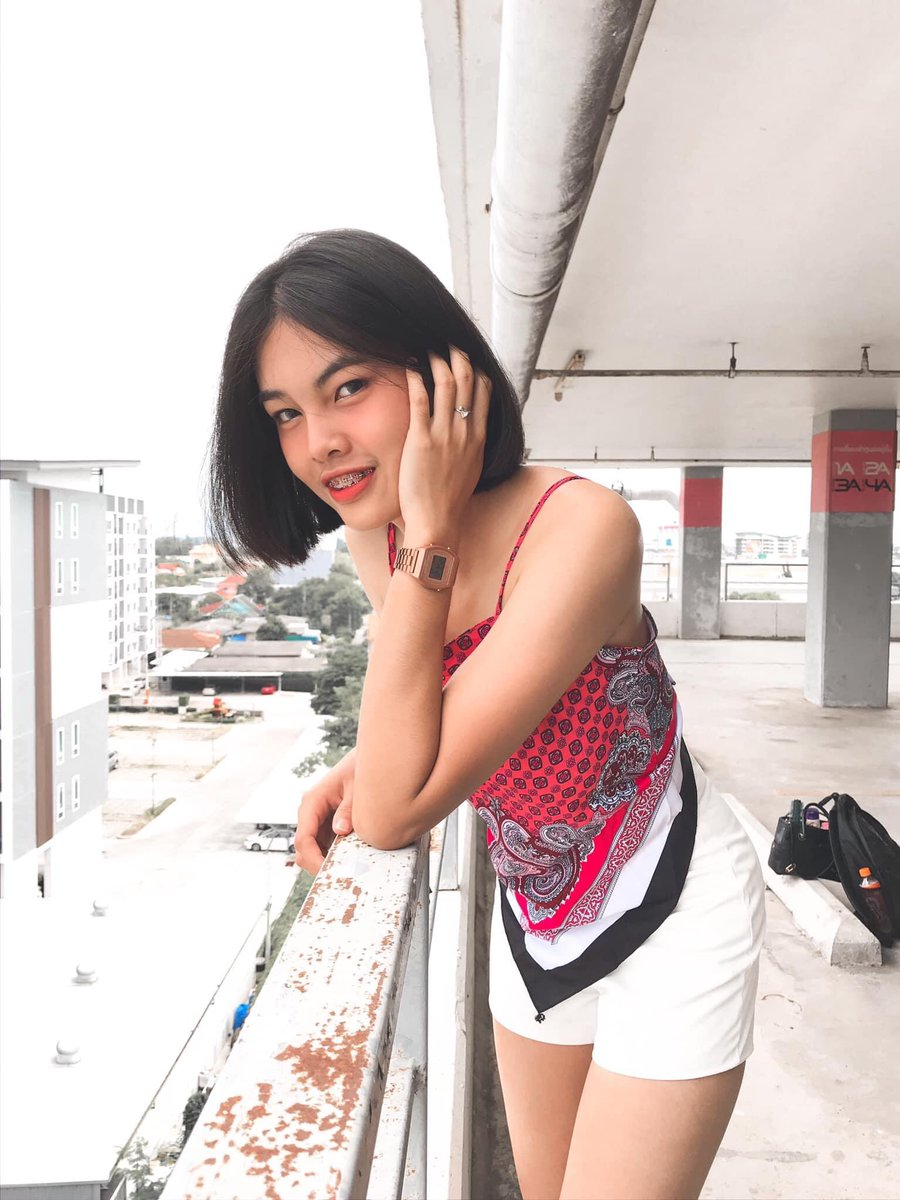 Pretty Thai Shemale Camming And Balls Are Out