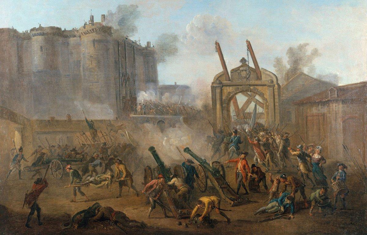 Le 14 juillet 1789, lorsquon prit la forteresse de la Bastille, elle ne comptait que 7 prisonniers : 4 faussaires, 2 fous et 1 noble. Le peuple nétait d'ailleurs pas venu les en délivrer, mais y chercher de la poudre pour les 30 000 fusils récupérés la veille aux Invalides.
