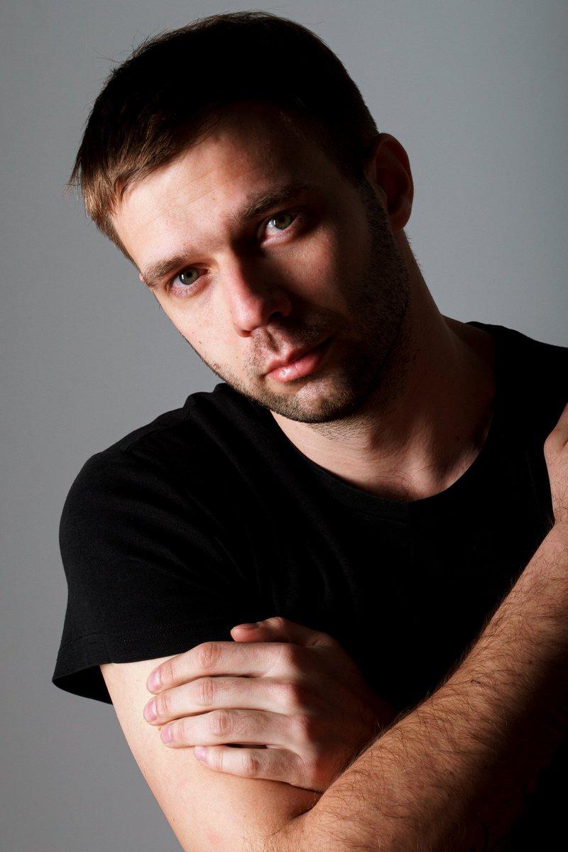 just a portrait/просто портрет  Photographer Alexander Yaskin  #male #art #man #guy #photo #mood #picture #portrait pic.twitter.com/8kR8SU50v8