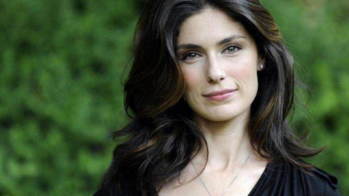 'Luce dei tuoi occhi': al via le riprese della serie tv Mediaset con Anna Valle  #Televisione