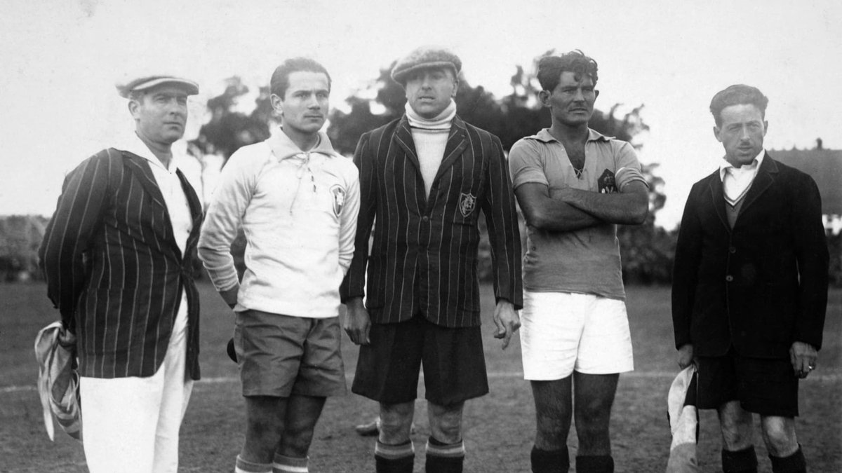 #OnThisDayInFootball in the 1930 #WorldCup Brazil unexpectedly lost 2-1 to Yugoslavia in the Group 2 opening match. The opening match of the Group 3 saw the first player expulsion in the competition, when Plácido Galindo of Peru was dismissed against Romania (1) (@MineiroGiant)pic.twitter.com/yO2WfO0Gep