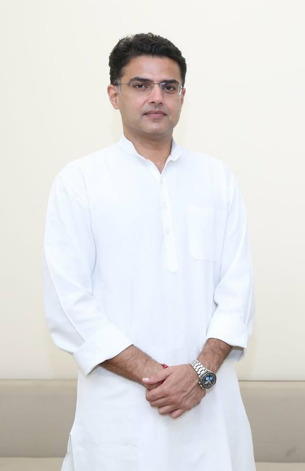 #Sachin_pilot Ur quality couldn't recognise #khaungress U should do on your own. I mean,as far as I understand the #politics, @BJP4India is the best place to show his capability for @SachinPilotpic.twitter.com/fLG6IYg9xK