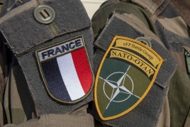 As befits Bastille Day, a ceremony will be held with the French Tricolour 🇫🇷 hoisted and La Marseillaise sung to mark French National day in #Rukla 🇱🇹, where 300 strong French contingent has recently joined @NATO #eFP #BGLTU  https://t.co/Hz5j2yF96y #WeAreNATO https://t.co/Pz5puFFkg5