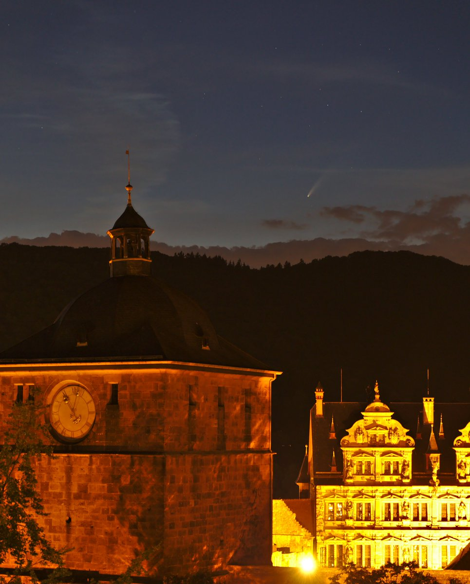 Three more, #Heidelberg #castle and #cometNEOWISE last night. https://t.co/rAP0kpva0b