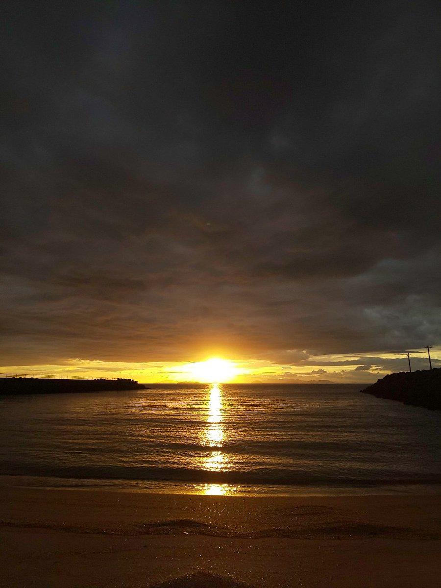 今空2 #イマソラ #mysky #sky #sorasuki #ソラモノ写真館 #sun #sunset #umi #sea #海 #茜雲