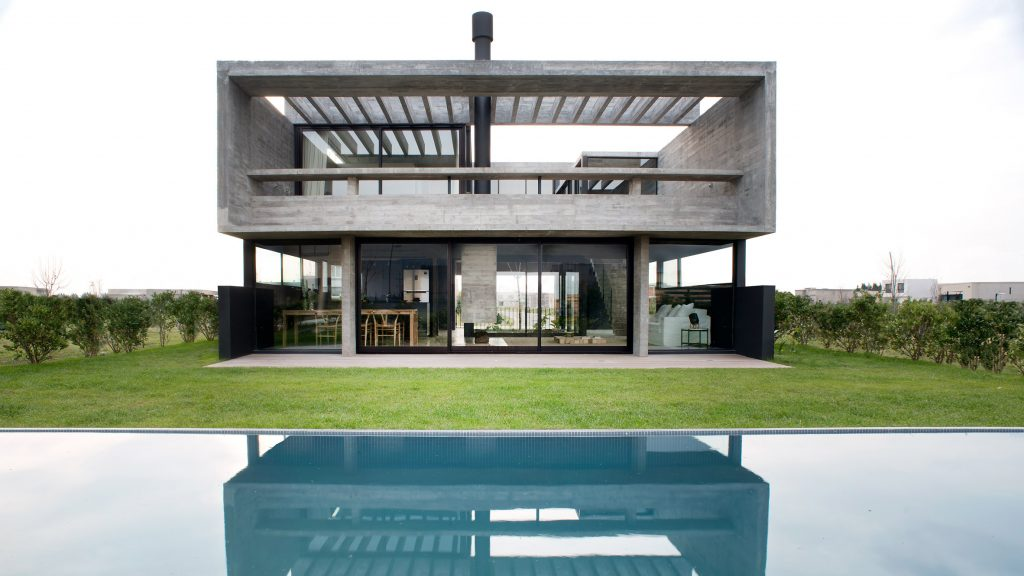 Architect builds herself concrete Casa Castaños on outskirts of Buenos Aires http://dlvr.it/RbZtK5pic.twitter.com/oW9oMqhU5n