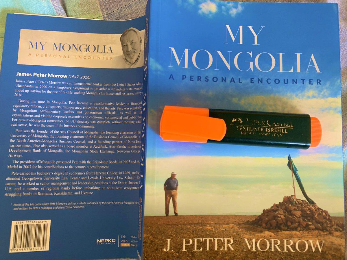 Ердөө 200 хүн л Монголд бүх юмны шийдвэрийг гаргадаг. Санжийн Баяр 150 хүн гэсэн бол би 250 хүн гэж маргалдан бүр жагсаалт гаргаж байтал Суматри хайнаа хагалж бид 200 хүн дээр тогтсон гэж талийгч Морров номон дээрээ бичжээ. Олигарх, МАНАН гэдэг үгс дэмий нэг гараагүй ажээ. https://t.co/BnGrKBmKio