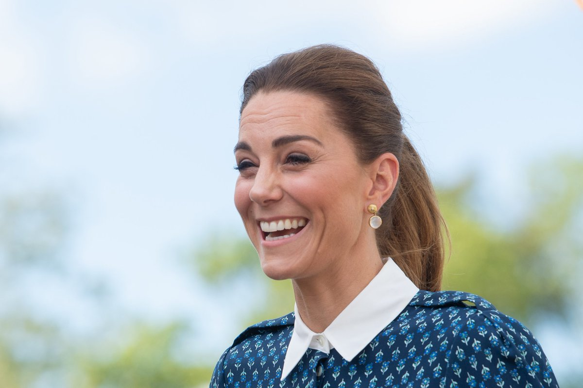 Duchess Catherine shows off gorgeous new haircut as she sports chic polka dot dress for latest appearance https://t.co/jHQGgBMqfZ https://t.co/42LlXkkcEd