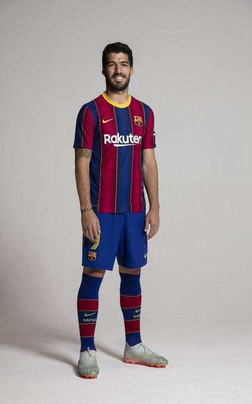 📷 | Suarez with the new kit.