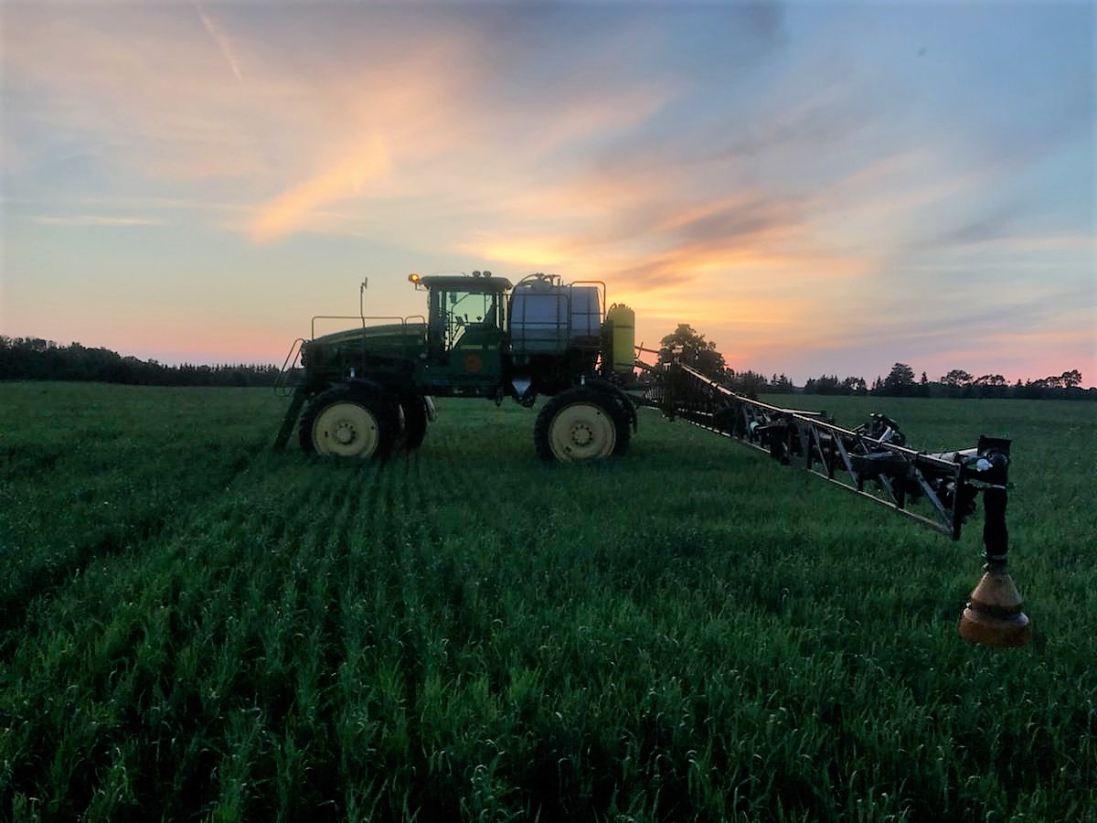 Hey #organic farmers, dont feel left out when your neighbours pull into their corn and bean fields with fungicide. Give your crops a biological boost and populate leaf surfaces with beneficial microbes to crowd out pathogens. Ask us how!