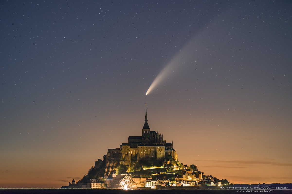 Neowise Sunday evening over the Mont-Saint-Michel, Normandy https://t.co/Tbt9I3OP6n