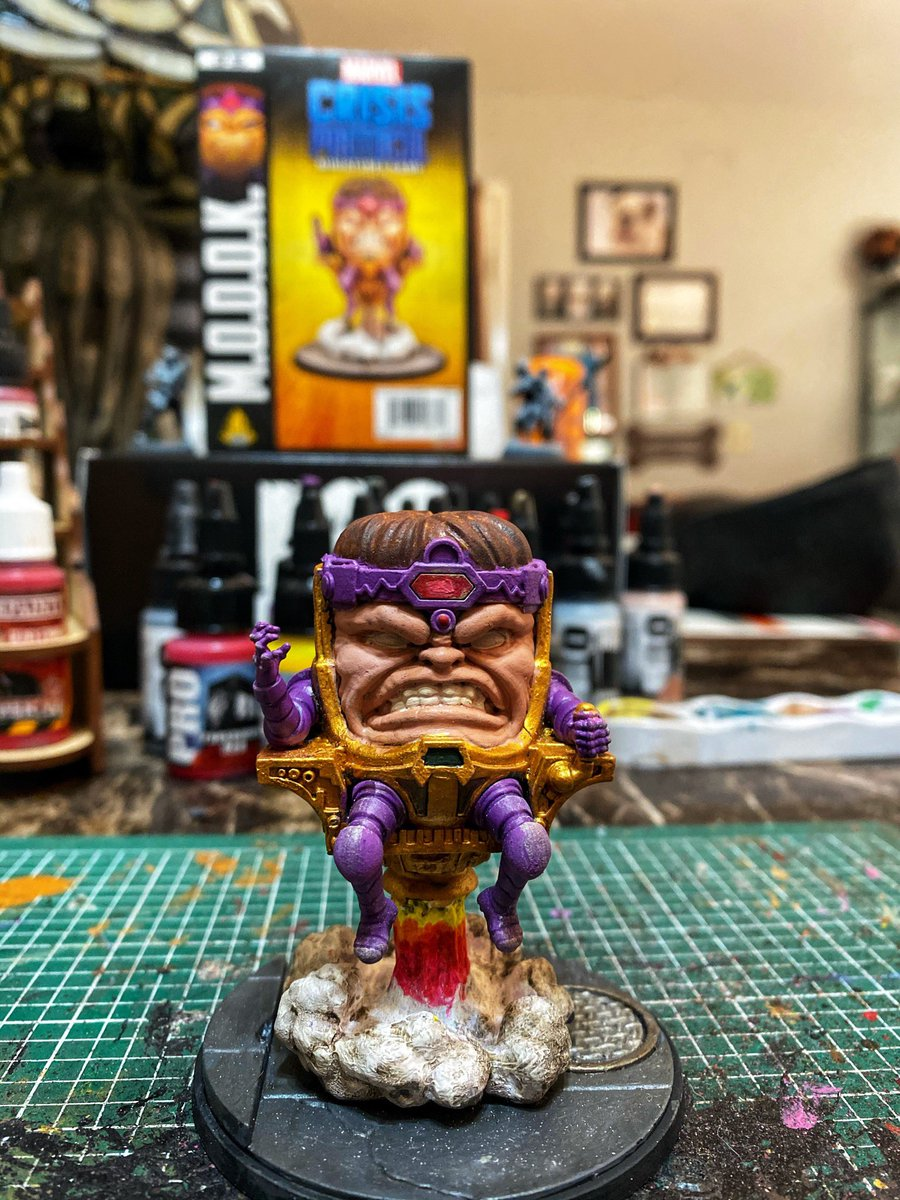 Finished #Modok from @atomicmassgames.  All paints: #ProAcryl Tagging @AgentM in hopes of approval 😂  #minipainting #miniaturepainting #wepaintminis https://t.co/LmLPLwitSb