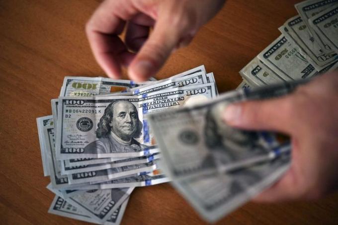 Tipo de cambio del dólar paralelo se ubicó en la apertura de este #14Jul en Bs 231.166,52 https://bit.ly/3eqDoD1pic.twitter.com/y37FJudkV7
