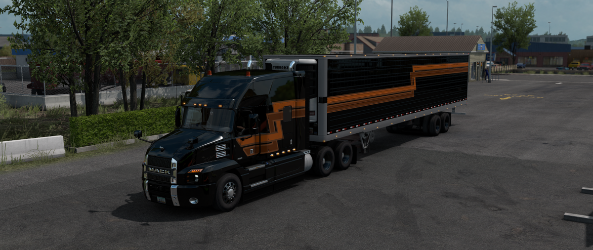 The stripes paint job on the Mack Anthem works correctly now, so mine doesn't look brown anymore after the #AmericanTruckSimulator 1.38 update. https://t.co/U9lpu1G6mk