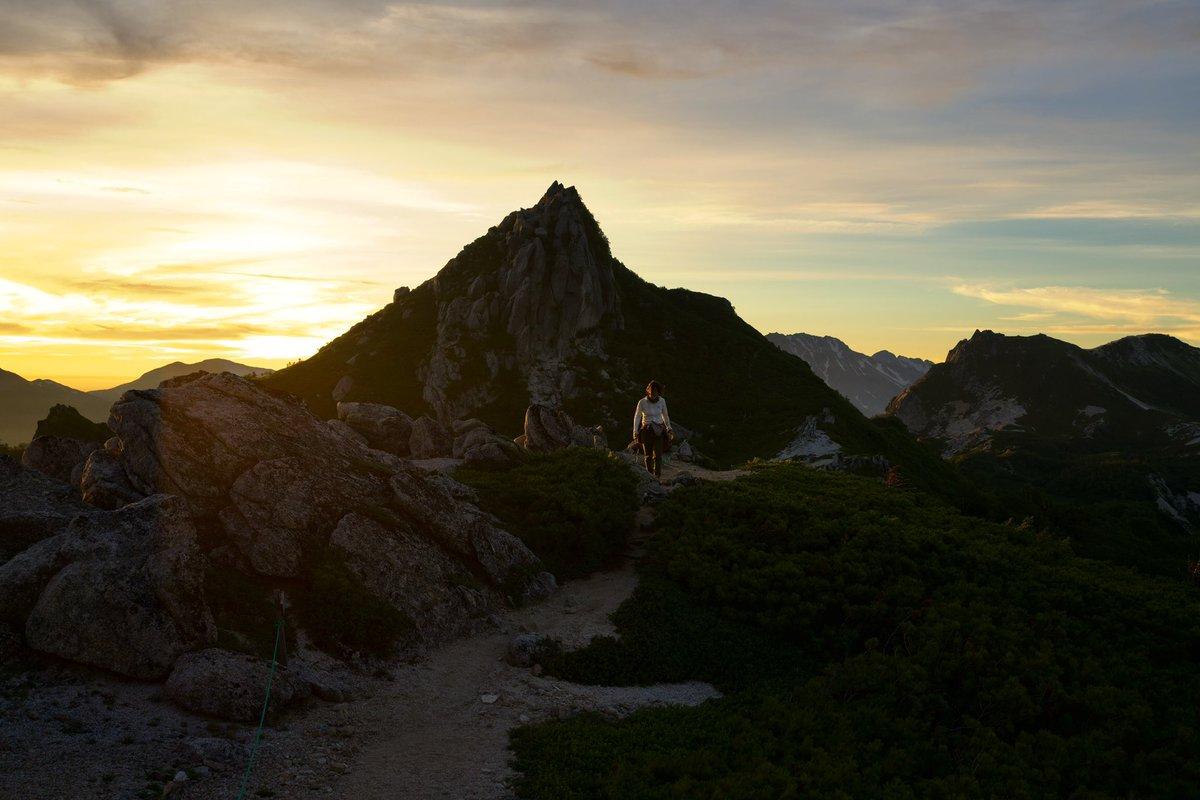 夏山に向けて今日も10キロ走ったが びちょびちょにはなるけど やっぱ平らは疲れない…  2年前の裏銀座にて #BeAlpha #SonyAlpha #SEL1635GM #烏帽子岳 #α7R3pic.twitter.com/mxcXNIfOLG