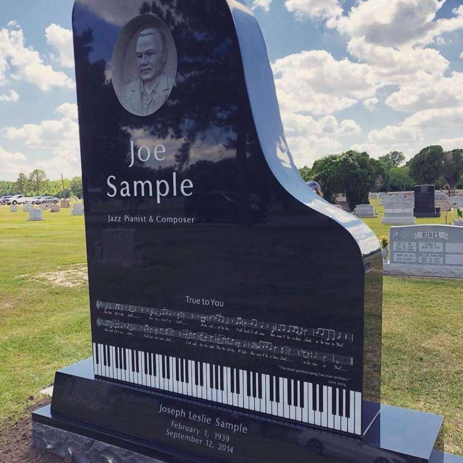 Joe Sampleさんのお墓、本当に素敵。