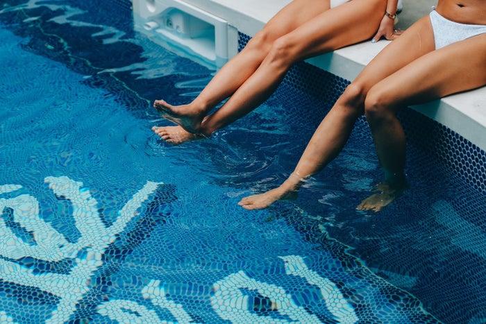 【7/17オープン】まるで海外モーテル🌴茅ケ崎に「8HOTEL CHIGASAKI」プール&サウナ付の新ホテル🏄👙🚲🌻#旅行 #ホテル▼写真・記事詳細はこちら