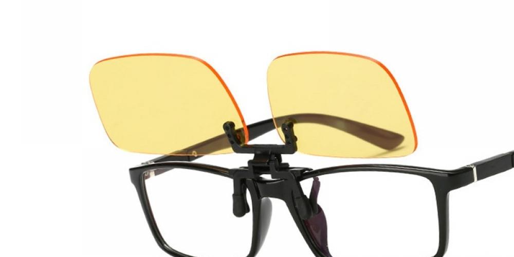 Anti Blue Light Clip-On Gaming Glasses $ 18.00   #health #fitness #gamingglasses #crossfit #sport #impulsegifts #electronics #shoppingonline  https://impulse-gifts.com/anti-blue-light-clip-on-gaming-glasses/…pic.twitter.com/w0qQi7qOv7