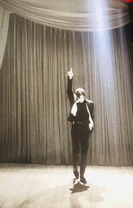 RT @hobipiola: YO DIGO QUE ESTAS FOTOS DEBERÍAN ESTAR EN UN MUSEO, JUNG HOSEOK ARTE @BTS_twt https://t.co/QR2YtjloGn