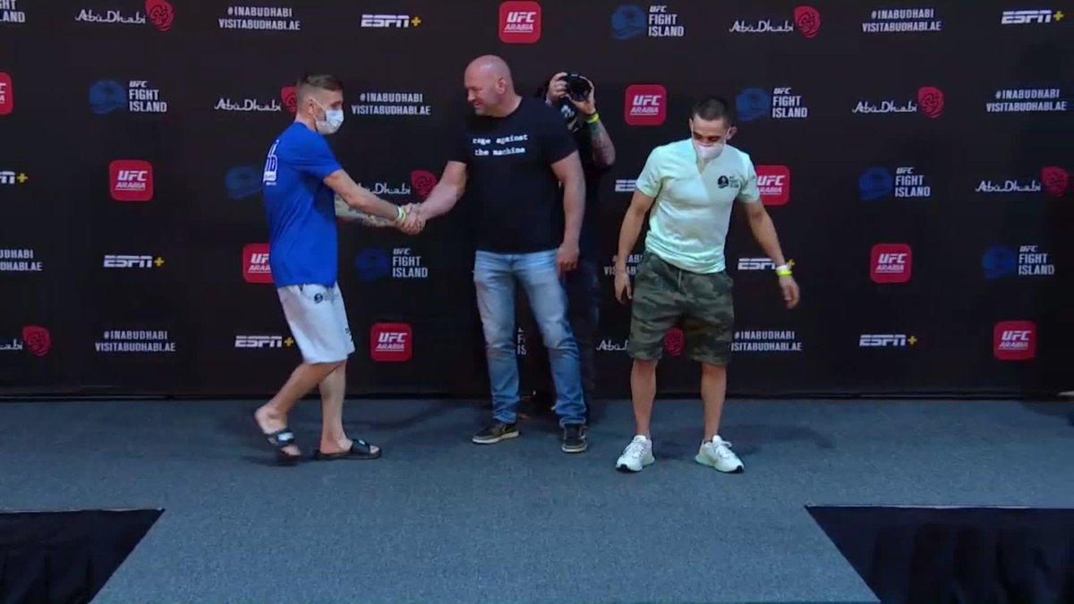 El evento coestelar de #UFCFightIsland1 serán los mosca Tim Elliott y Ryan Benoit https://t.co/AlVTyRQS7I