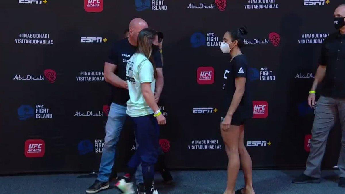 Intensas se ponen cara a cara Molly McCann y Taila Santos #UFCFightIsland1 https://t.co/AaDjxC8F1e