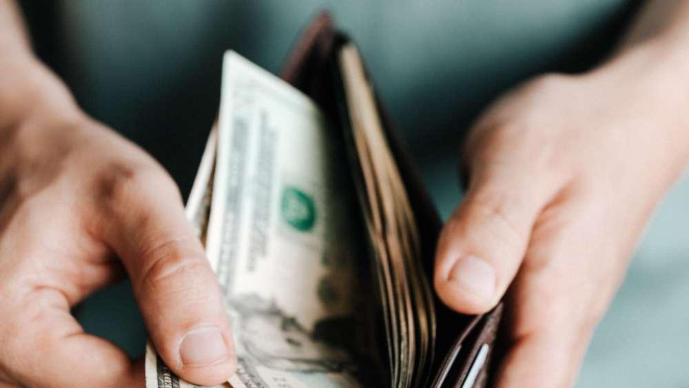 How #millennials can get ahead with their #money bit.ly/3ethsqW #WealthManagement #Robinhood #Wealthfront #wealthtech #fintech @TheRudinGroup @WFSULLIVAN3 @djamesarmstrong @JimMarous @FinMKTG @RobinJPowell @psb_dc @MichaelKitces @Capital_FinServ @BlueOceanGW @UrsBolt
