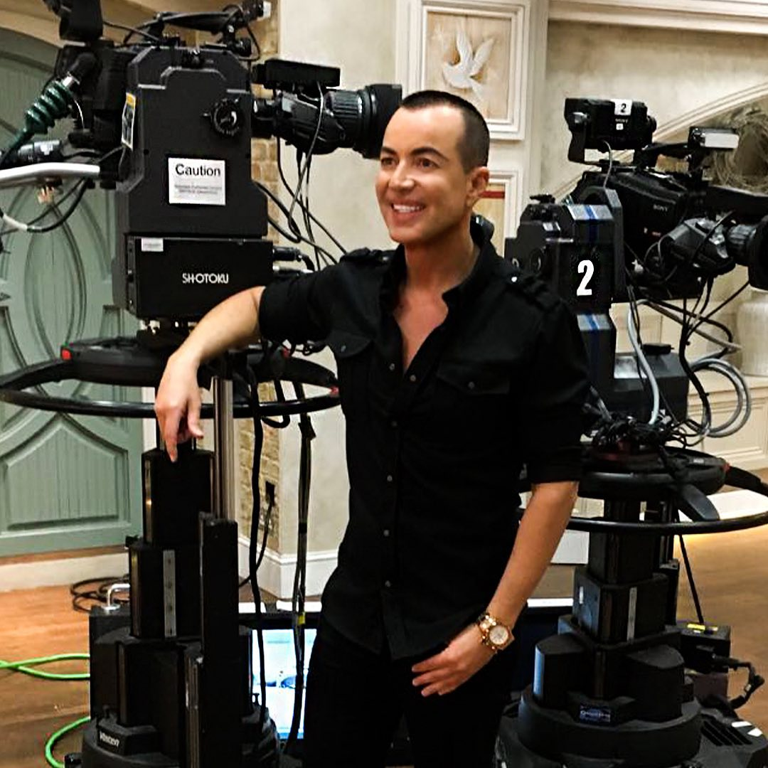 So happy to be working with @qvcuk showcasing my latest JM by Julien Macdonald Homewares Collection, great gifts, and presents for your home to add that #JULIENMACDONALD glamour! You can shop the full JM by Julien Macdonald collection at http://www.qvcuk.compic.twitter.com/sAvVdEYfgO