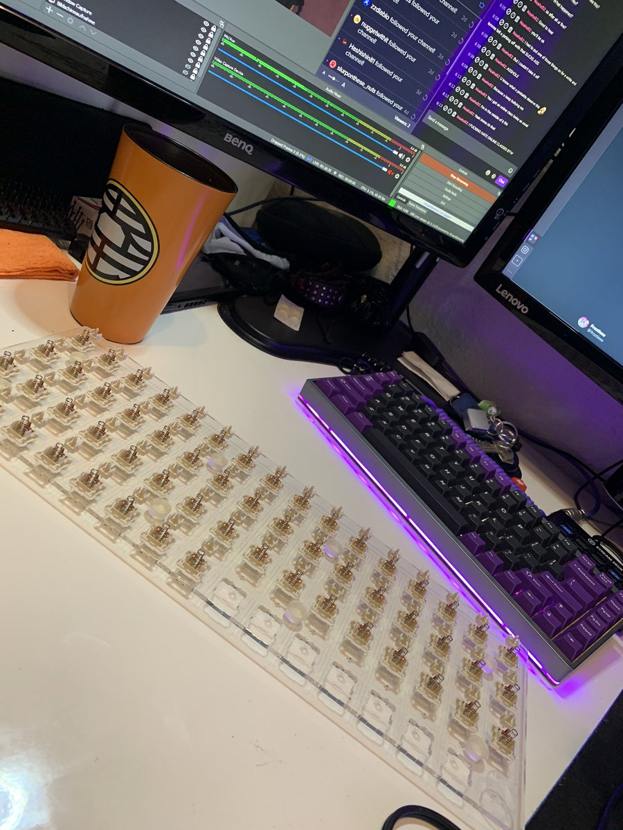 Going live finishing the last batch of @NovelKeys cream switches on my @Space_Cables lubestation. After that maybe some #worldofwarcraft? https://t.co/gKdvajw2Ec #streamer #handicap #disabled #keyboard #keycaps #tatmanarmy # https://t.co/hx8fntedyZ