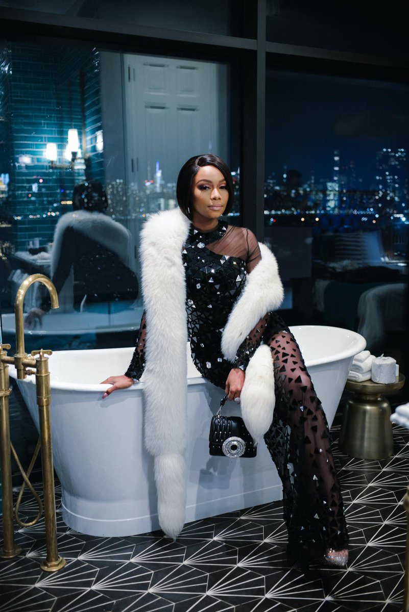 FIRST LOOK:  @bonang_m is coming back to @Official_SABC1 with never before seen two part show >>> https://t.co/cNUQXyLgFk   Congratulations Queen B* 🐝💫💕 #AVeryBonangYear https://t.co/DXwdi4CuOS