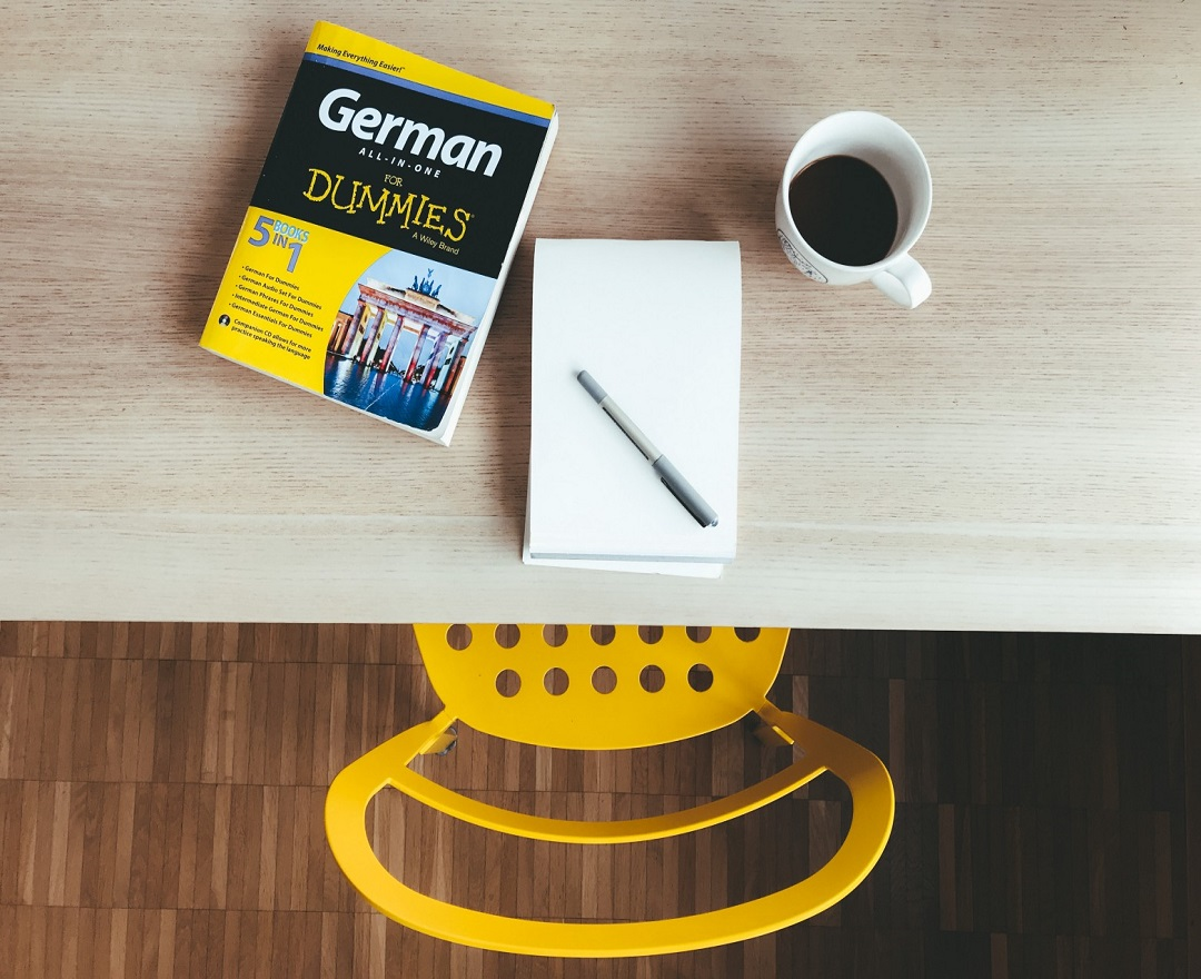 """New in Write In The Flow on #Medium by Michael Thacker - How to Say """"Hello"""" in German     #german #speakgerman #foreignlanguage #travel #writingcommunity"""