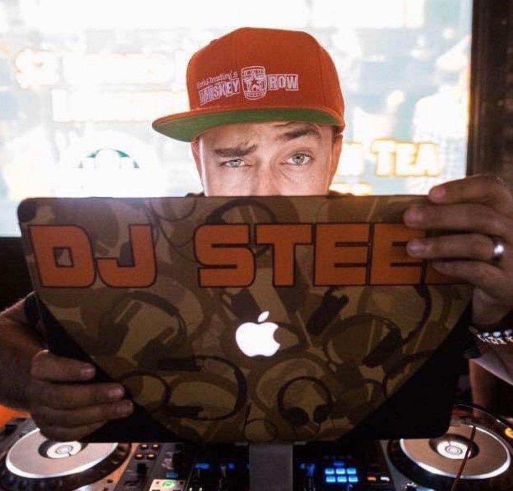 ⚠️dead at 42 Kris Chupp, better known as DJ Steel around music venues in #Phoenix, #Arizona, died from #COVID. His amazing positivity & selfless attitude made him an amazing DJ, Father, Husband, and Friend. @dougducey gofundme.com/f/kris-and-jes…