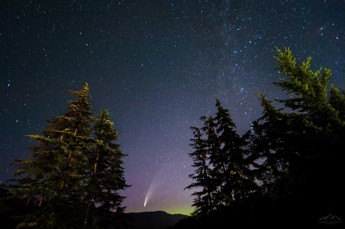 Neowise and Aurora over Whistler BC. @GoWhistler @NorthLightAlert