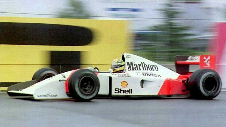 Ayrton Senna, McLaren MP4/7A Honda RA122E V12 800HP.  Grand Prix du Canada - 1992. https://t.co/C5Thy16LR4