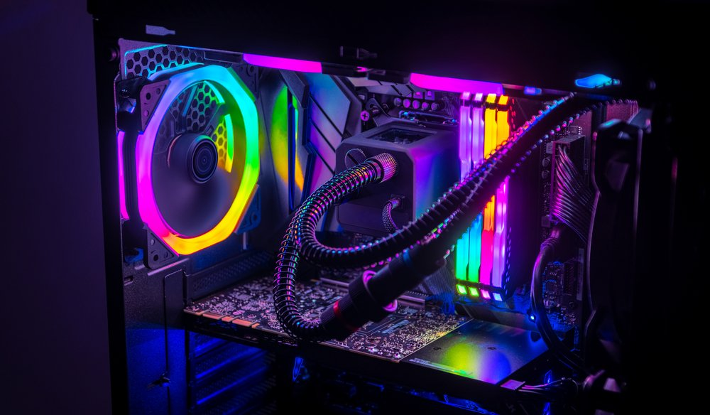 The best #VideoEditing PC is the one you build yourself.   Check out 3 PC builds for all budgets and experience levels, and learn everything you need to know about the parts that go into them: https://shutr.bz/2DEsLQhpic.twitter.com/Y5ABEAaPw4