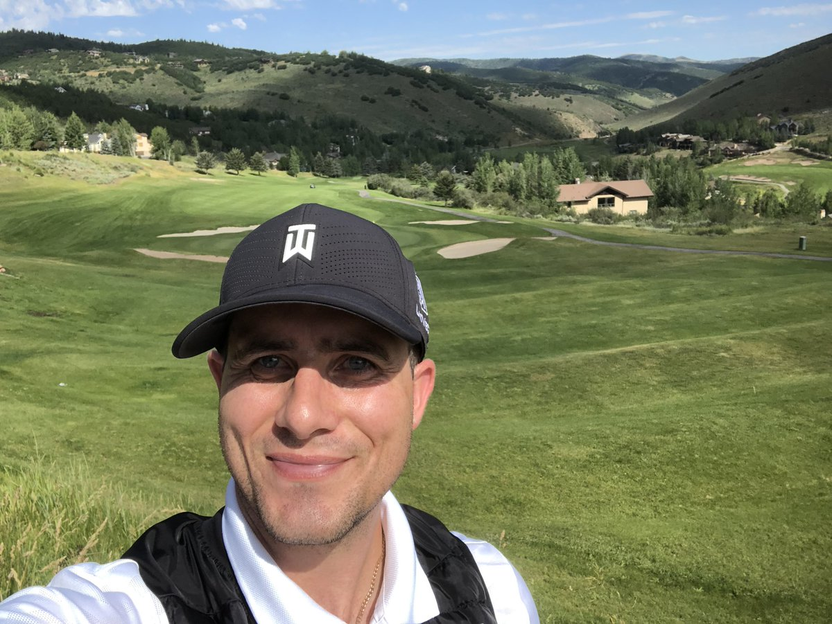 Thank you all so much for the Birthday LOVE!   I Spent the morning in Park City, Utah playing golf. Life is good! #HAVEIT https://t.co/wX1DdSzaFq