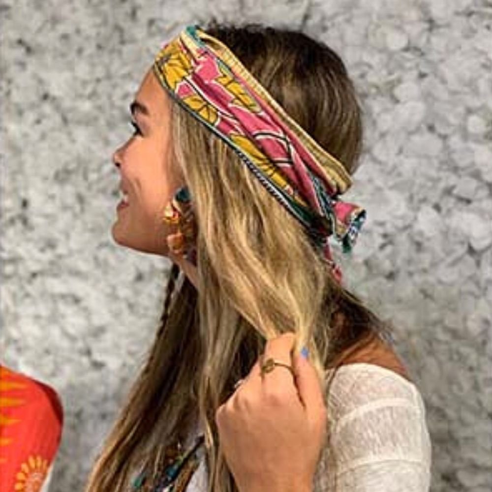 Summer hair now in bloom!   These accessories are handmade using repurposed sari fabric. New colors, patterns just in! Shop our stores 11-4 Mon-Sat (please wear your) or online 24/7> https://zeebeemarket.com/. Curbside pickup available. #shopsmall #ethicalfashion #fairtradepic.twitter.com/IU6isGqufy