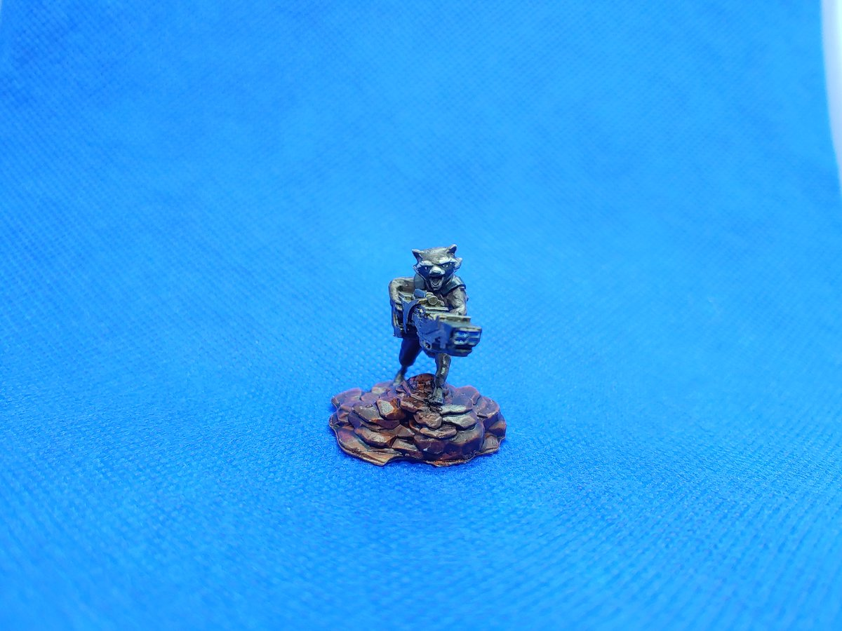 """""""ain't no thing like me, 'cept me"""" Finished this little Rocket raccoon I printed finally. I accept your feedback. #mcu #gotg #rocketraccoon #minipainting  #critterspaint #happylittleminis #marvelcrisisprotocol #Under1kClub https://t.co/DU7EOVsV4A"""