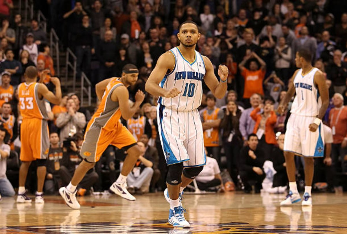 "7/14/12 – The days after the Phoenix #Suns signed New Orleans RFA PG Eric Gordon to a four-year, $58M deal, and despite Gordon stating he preferred PHX, the Hornets matched it as expected. Lon Babby: ""we have no regrets."" PHX then turned their attention to O.J. Mayo. #RisePHX https://t.co/WSGT2FXEcu"