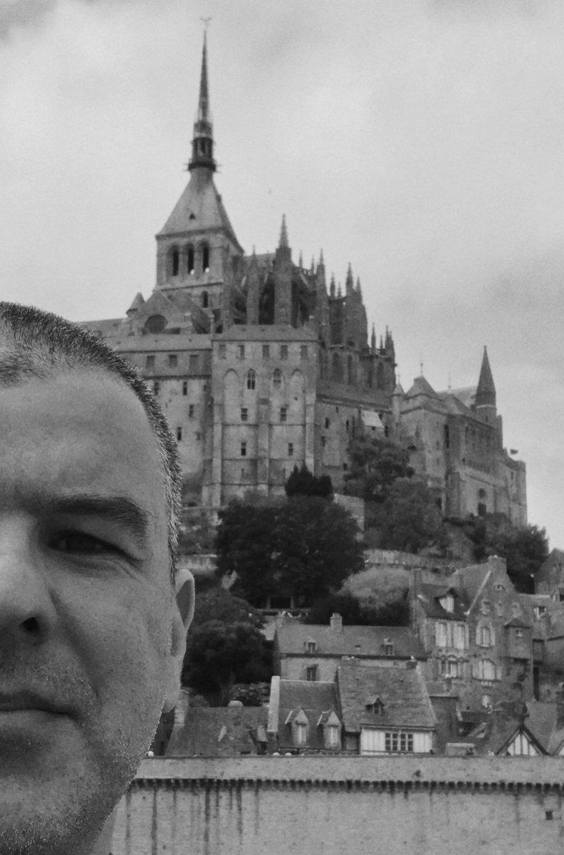 14 juillet - la prise du mont saint Michael #14juillet #MontSaintMichel https://t.co/VhhmaN7BsM