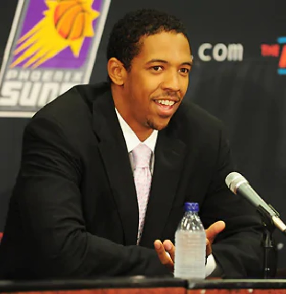 "7/14/09 – It ""feels good to be home."" 26-year-old and former St. Mary's HS and @APlayersProgram star @channingfrye signed a two-year, $4.07M contract with the Phoenix #Suns citing the system in choosing PHX. Frye: 4.2p/2.2r/0.4a and shot 33.3% from 3 in '08-09 with PORT. #RisePHX https://t.co/GOtmkxNOCg"