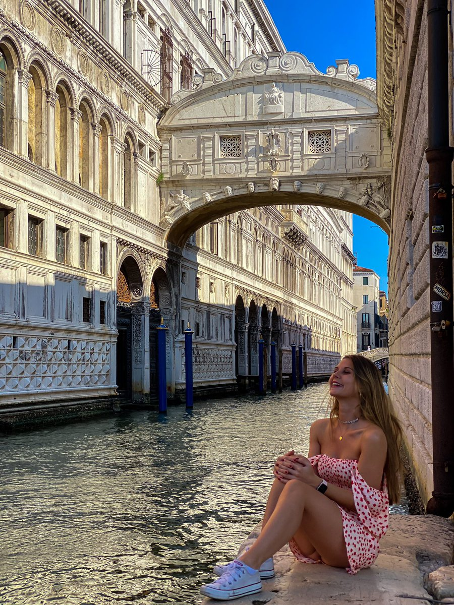 Quanto è bella Venezia?#pontedeisospiri #vacanzeitaliane pic.twitter.com/amlxpxTFC3
