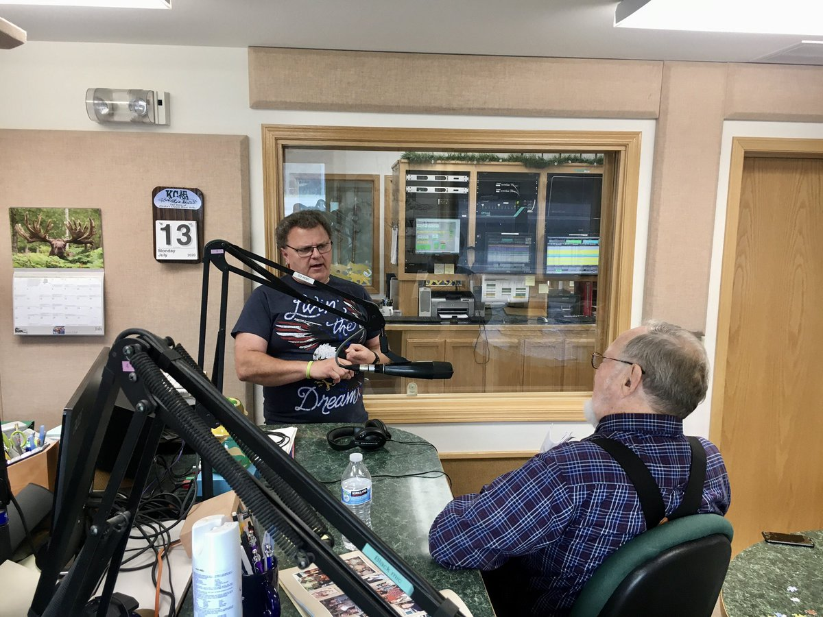 It's been a busy swing through the Copper River Basin and Southeast! I always appreciate the opportunity to update Alaskans directly on the issues facing Congress; one of the best ways to do that is through radio and print. https://t.co/aR7fmqHtDm