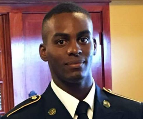 22 y.o. Sergeant Kelvonta K. Ellis was found dead in his room at Fort Sam Houston in San Antonio, #Texas. Details of his death have not been released. U.S. Air Force Security Forces and U.S. Army Criminal Investigation Command are looking into his death. expressnews.com/news/local/art…