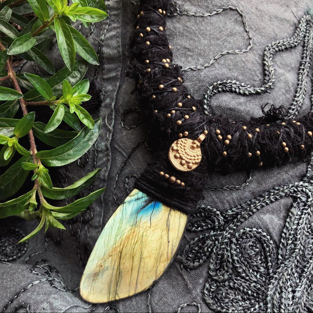 @Intambo was launched in 2016 to create timeless presence and individuality with #hemp #jewelry. Created without a plan, each piece is truly one-of-a-kind. Check out our blog at https://www.mariporium.com/blogs/discover/ to learn more about Barbara Sipos, the #jewelrydesigner behind #Intambo.pic.twitter.com/h95JsVlIHW